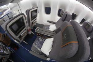 Lufthansa Premium Economy 748