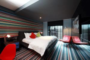 bedroom village hotel elstree
