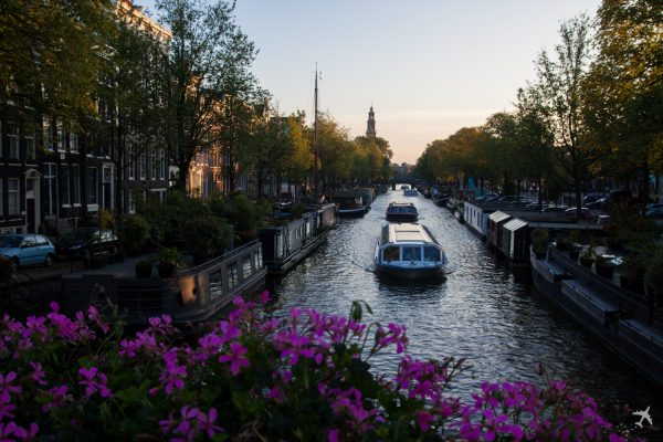 hausboot in amsterdam mieten travel. Black Bedroom Furniture Sets. Home Design Ideas