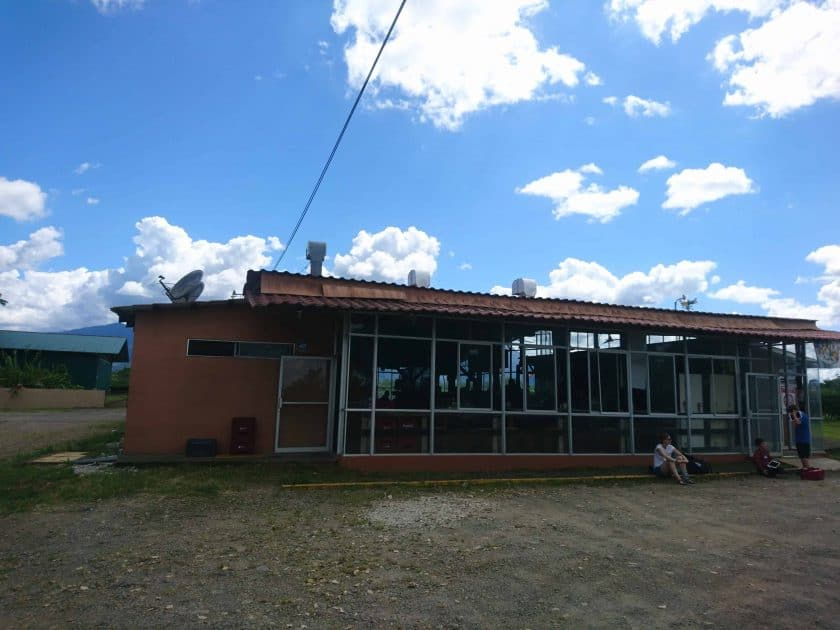 22 Flughafengebäude La Fortuna