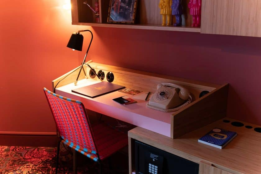 25hours Hotel Paris Room Desk