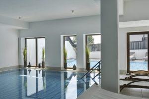 4 moods pool