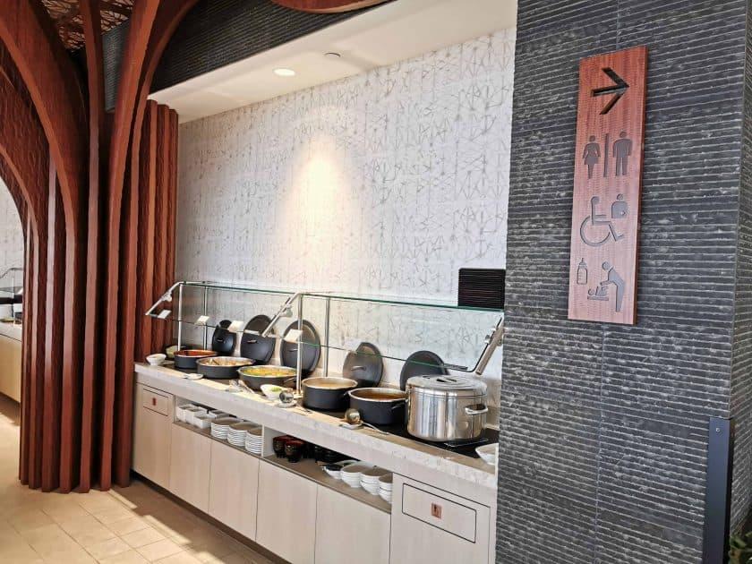 ANA Lounge HNL Buffet 1