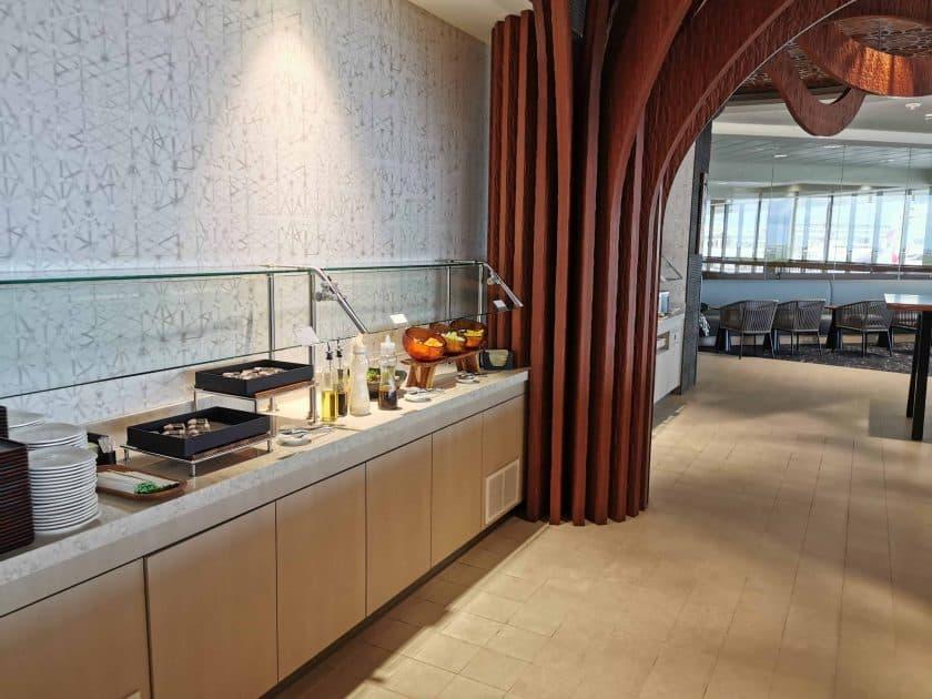 ANA Lounge HNL Buffet 2