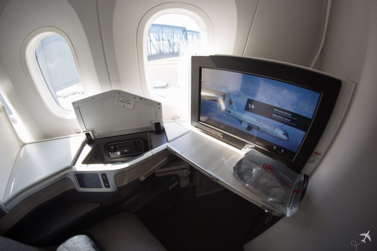 Air Canada Boeing 787-9 Business Class IFE
