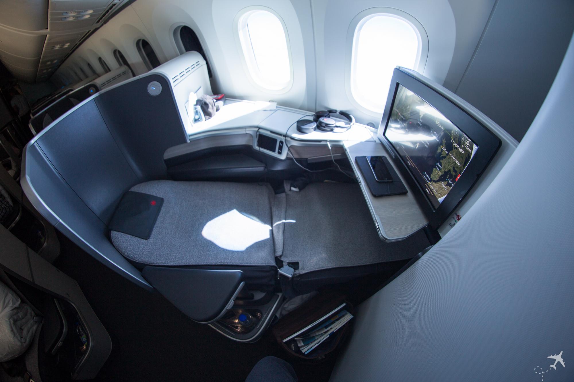 Air Canada Boeing 787-9 Business Class Lie-flat