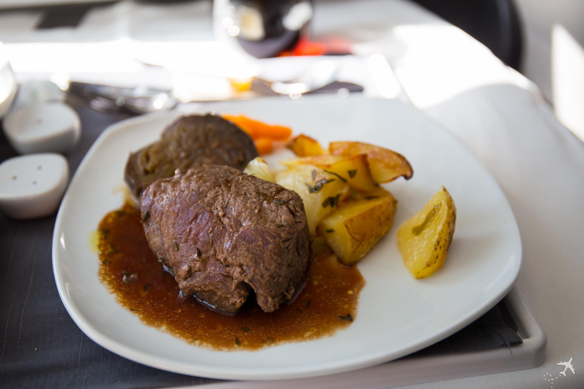 Air Canada Boeing 787-9 Business Class Lunch Filetsteak