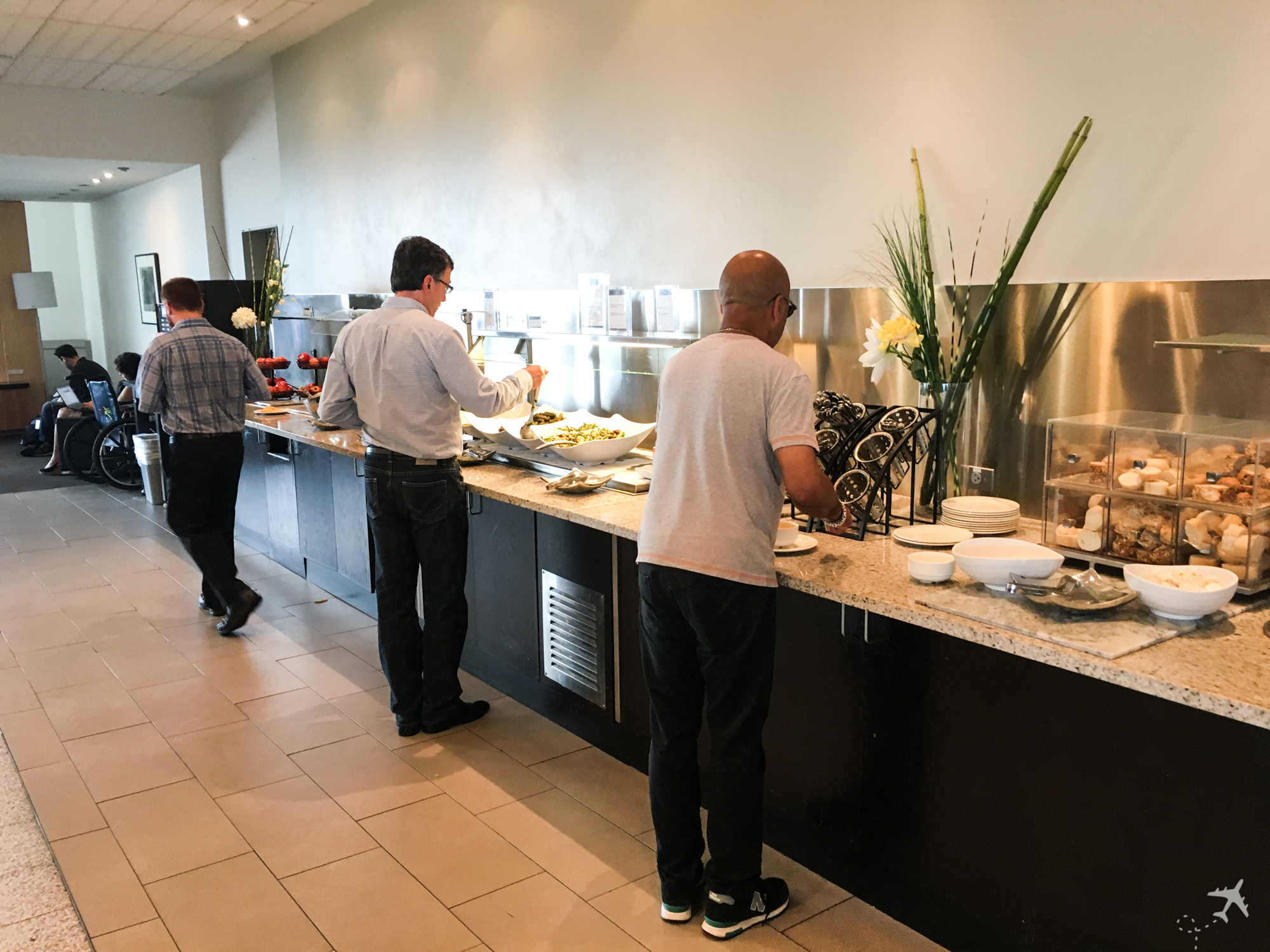 Air Canada Maple Leaf Lounge Toronto Essen
