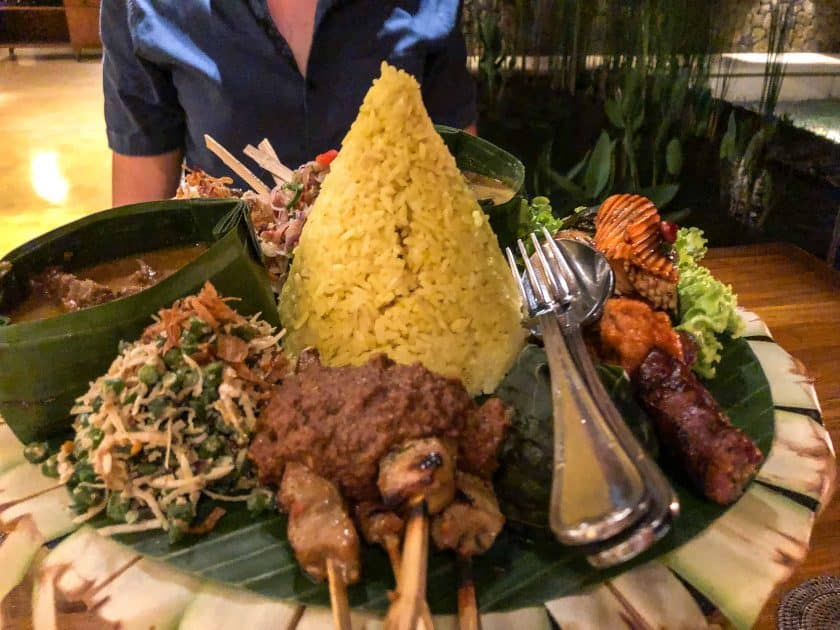 Alila Manggis Hotel Bali Abendessen Megibung