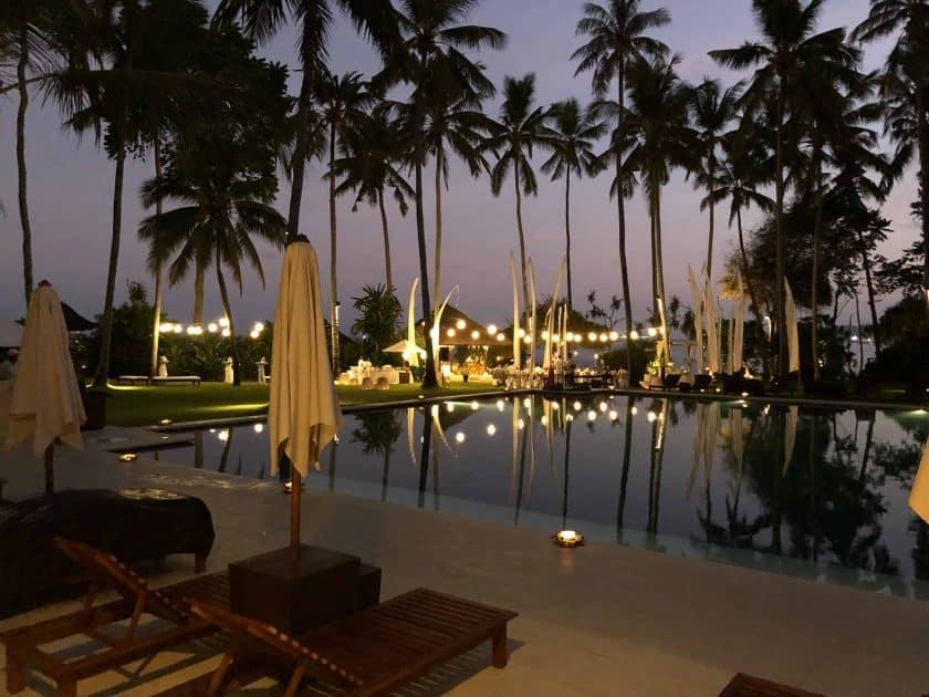 Alila Manggis Hotel Bali Pool Nacht