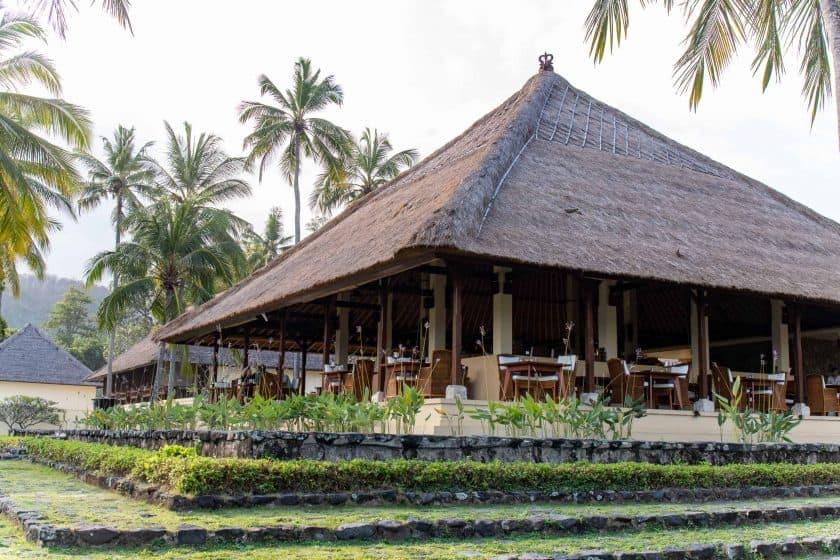 Alila Manggis Hotel Bali Restaurant aussen 2
