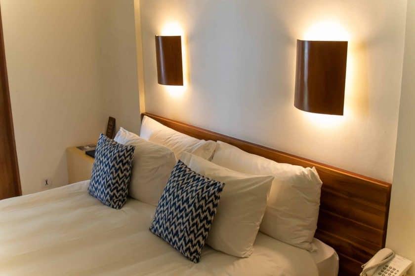 Alila Manggis Hotel Bali Zimmer Bett
