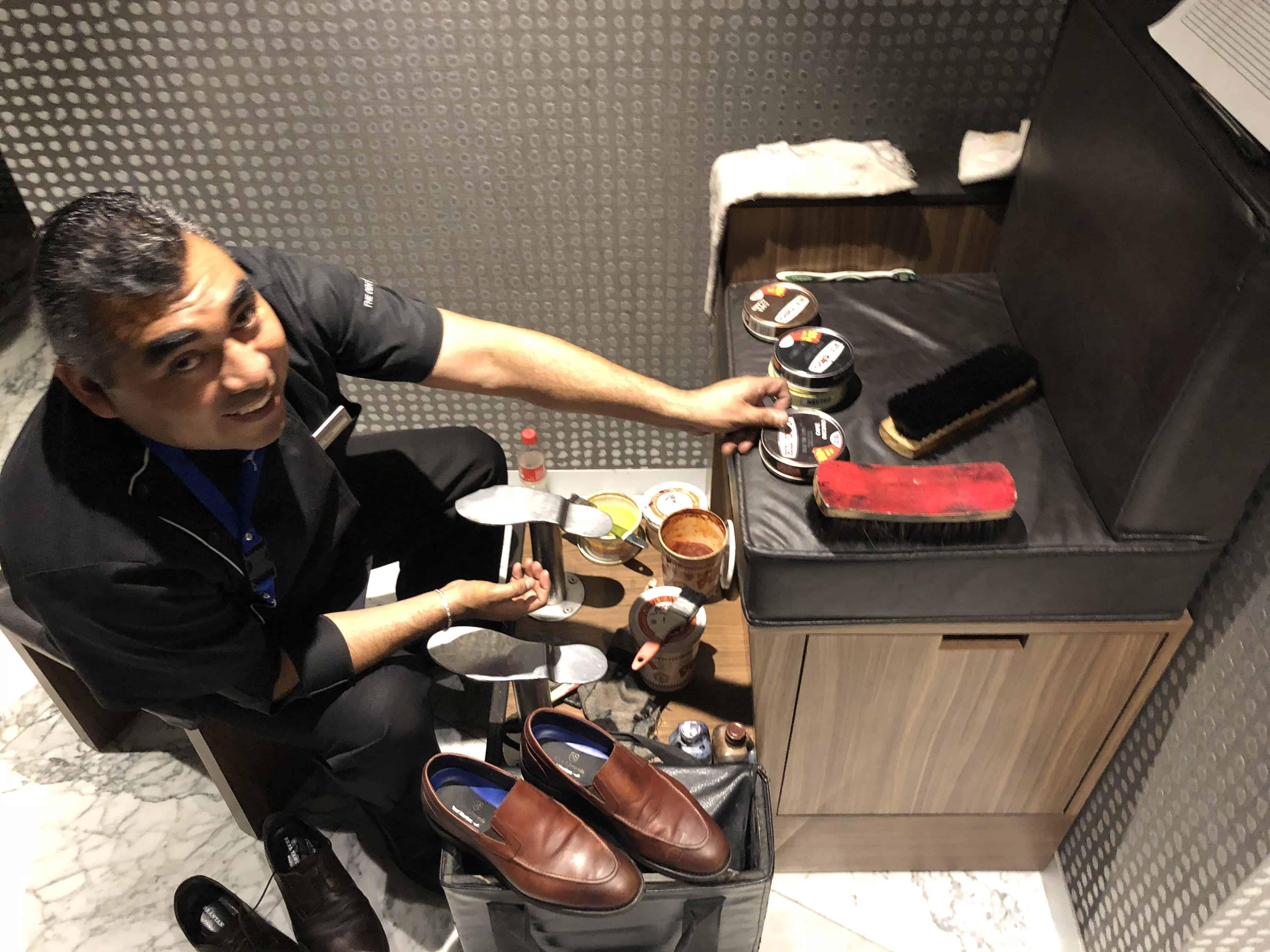 Amex Lounge MEX Schuhe