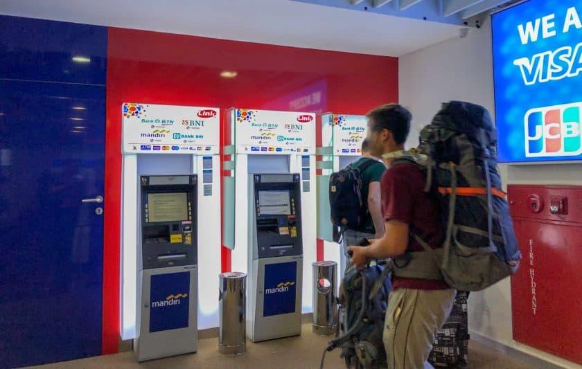 Bali Flughafen ATMs