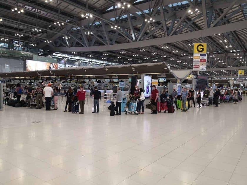 Bangkok airport empty2