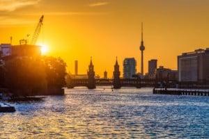 Berlin Skyline Spree Sonnenuntergang