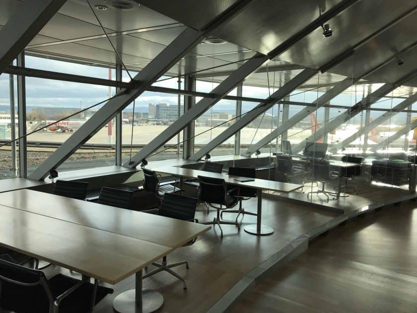 Bewertung Basel EuroAirport Skyview Lounge Arbeitsplaetze 2