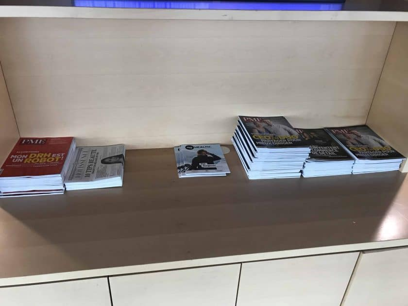 Bewertung Basel EuroAirport Skyview Lounge Lesematerial 1