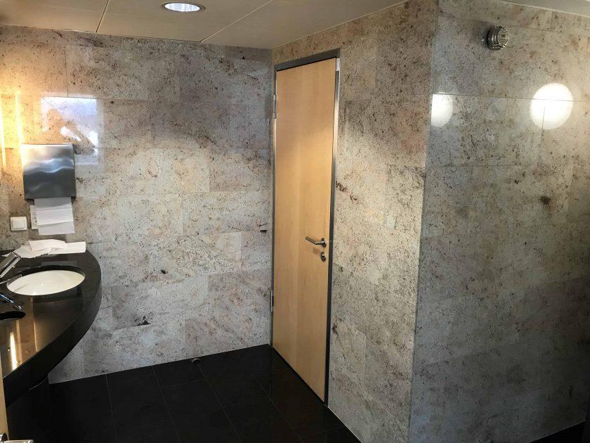 Bewertung Basel EuroAirport Skyview Lounge Toiletten 1