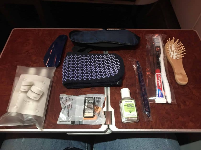 Bewertung EgyptAir Business Class A330 BKK CAI Amenity Kit 2