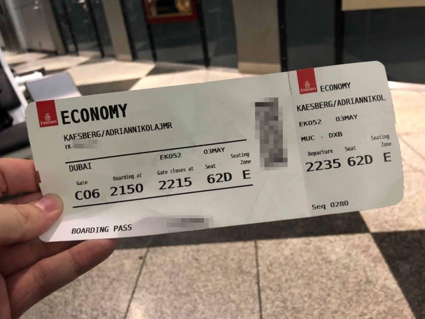 Bewertung Emirates Economy Bordkarte 1