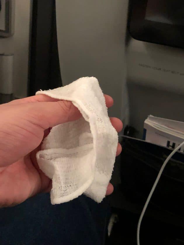 British Airways Prem Eco Bewertung Hot Towel