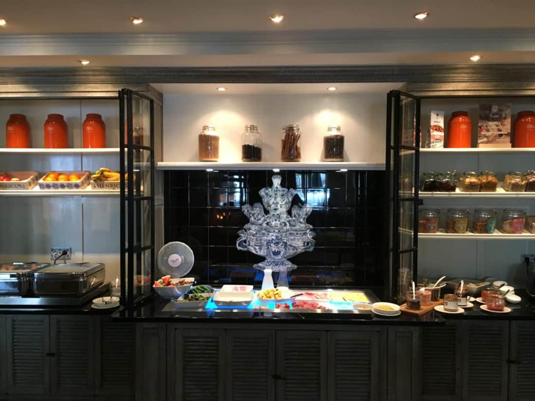 Carlton Ambassador Boutique Hotel Fruehstueck Buffet