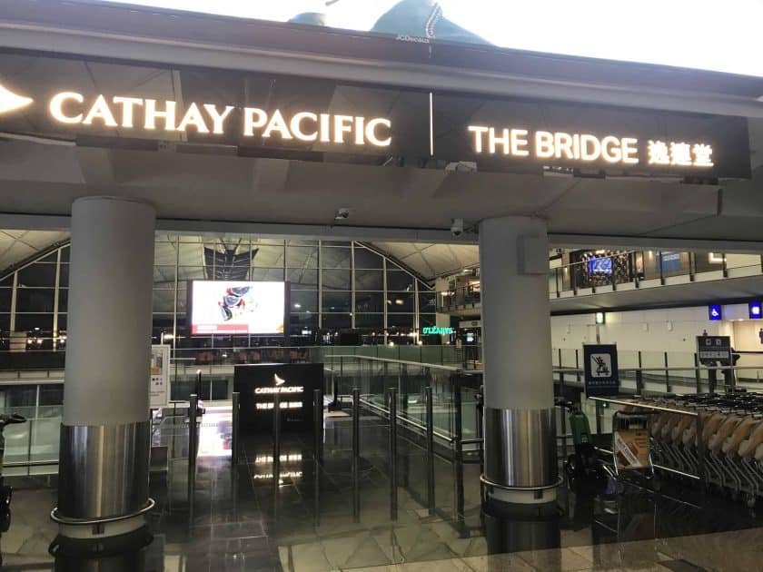 Cathay Pacific Review FRA HKG C Lounge Hong Kong The Bridge 1