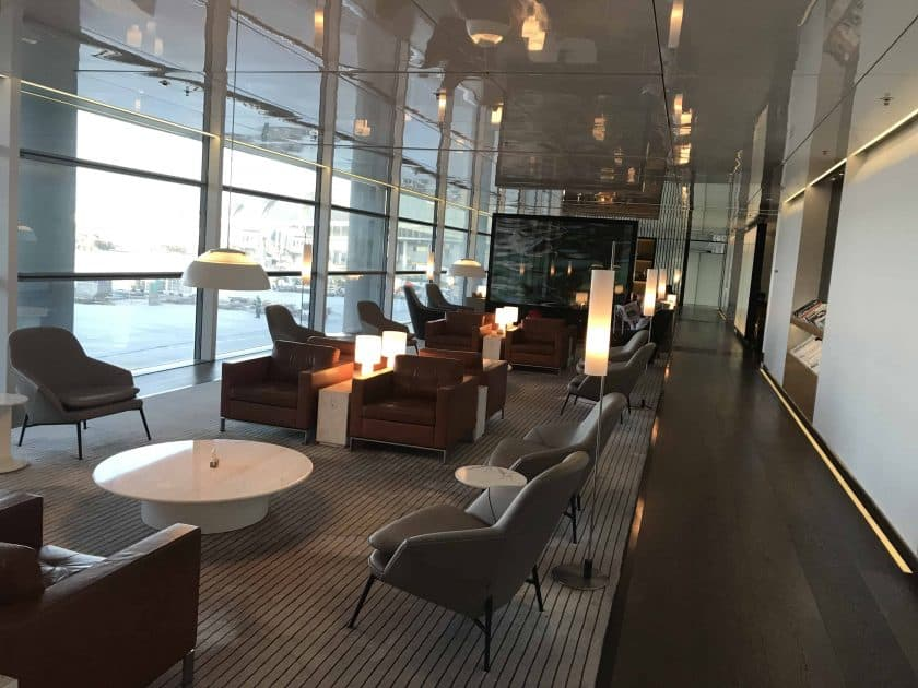 Cathay Pacific Review FRA HKG C Lounge Hong Kong The Bridge 4