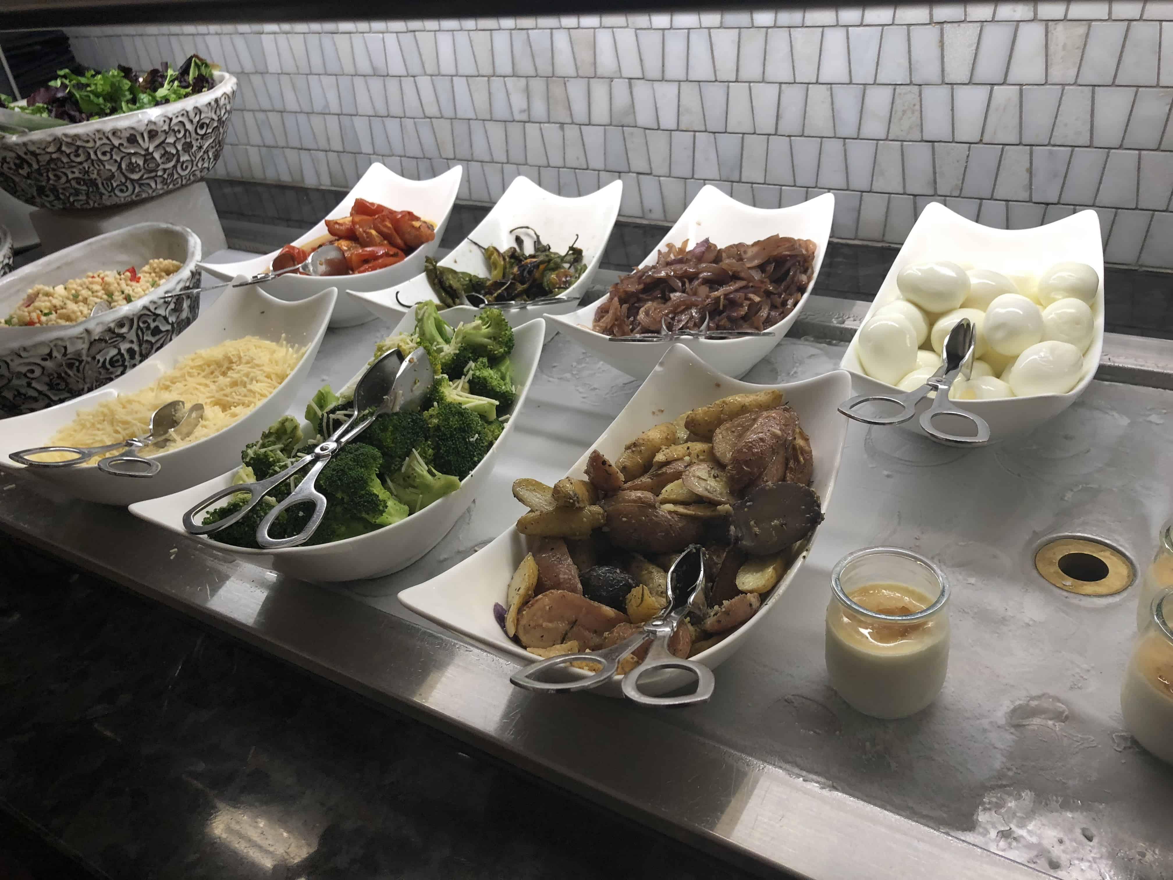 Centurion Lounge IAH Salatbuffet