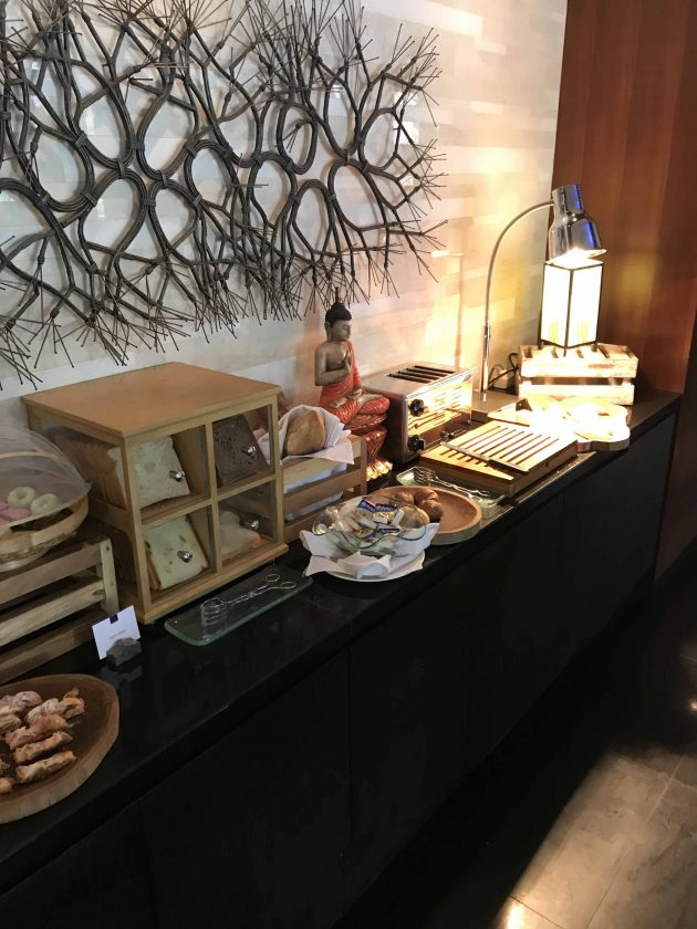 Conrad Bali Review Suite RIN Restaurant Breakfast 2