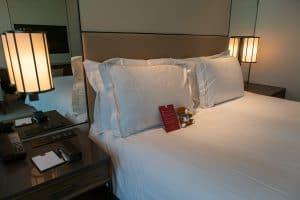 Conrad Singapore Zimmer Bett 4