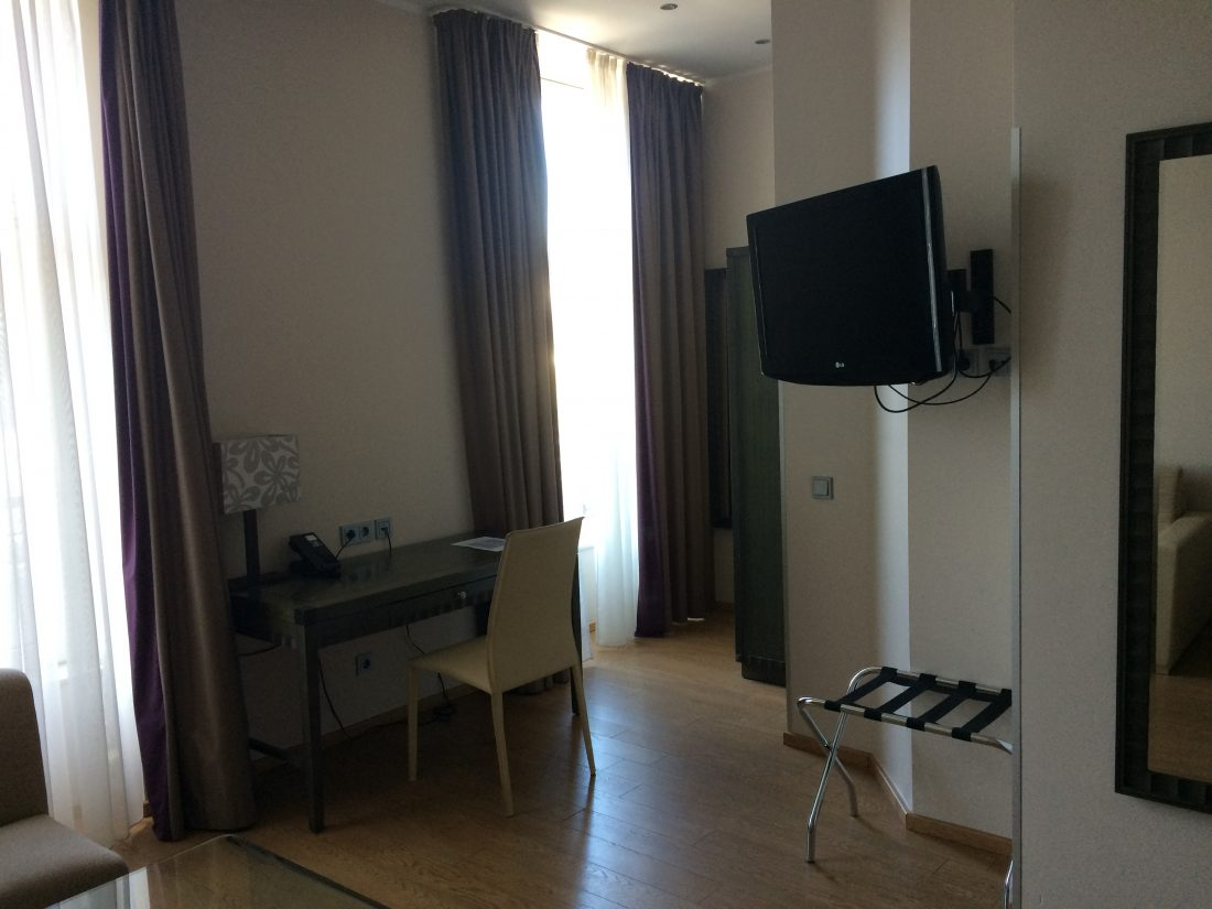 Corona Zimmer 1