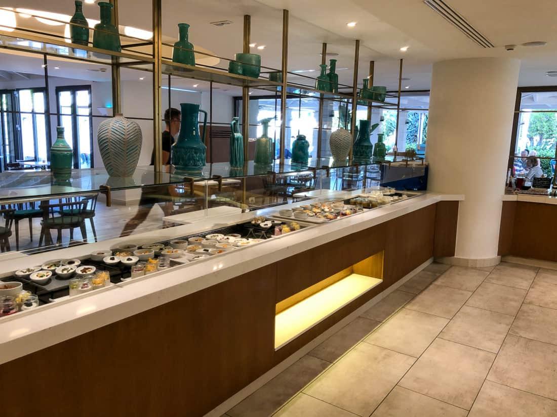 Cretan Malia Park Resort Fruehstueckbuffet Joghurt
