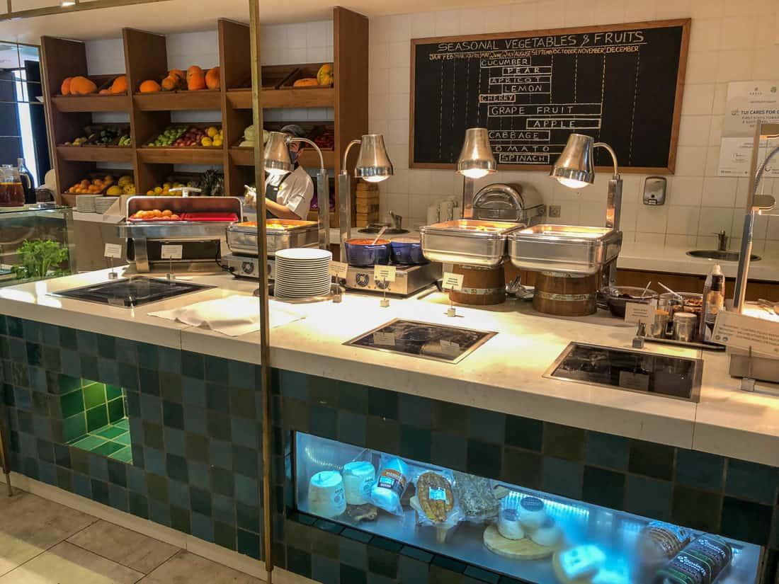 Cretan Malia Park Resort Fruehstueckbuffet warm 2