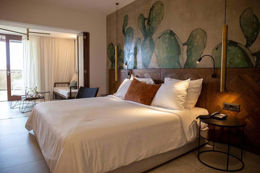 Cretan Malia Park Resort Zimmer Bett 3