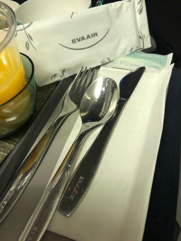 EVA Air Bewertung Metallbesteck