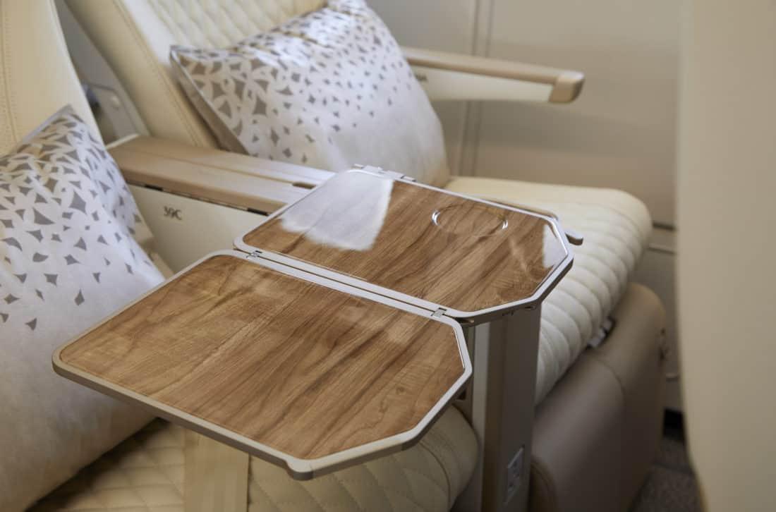Emirates Premium Economy Sitz Tisch