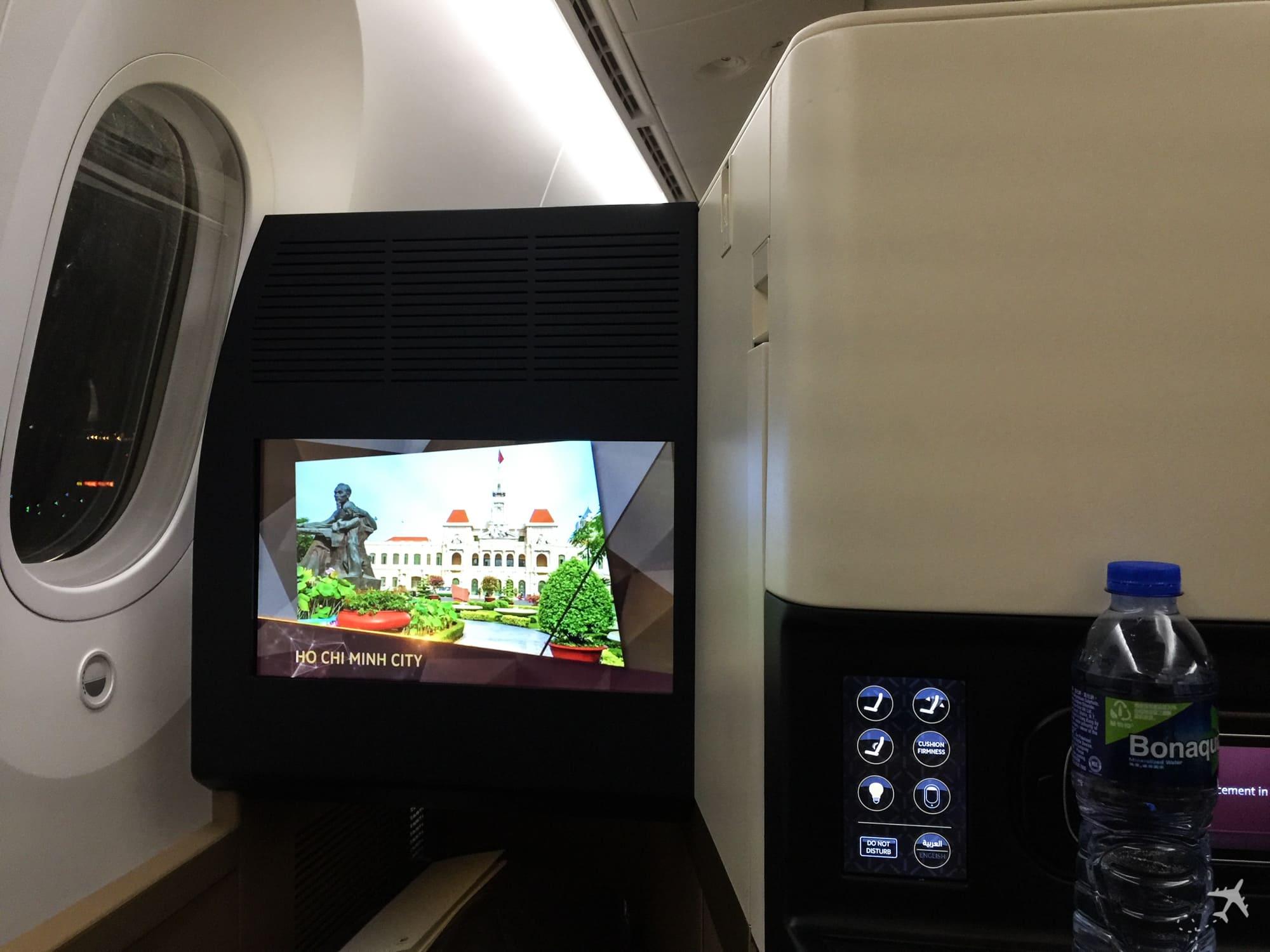 Etihad Airways Business Class Boeing 787 IFE
