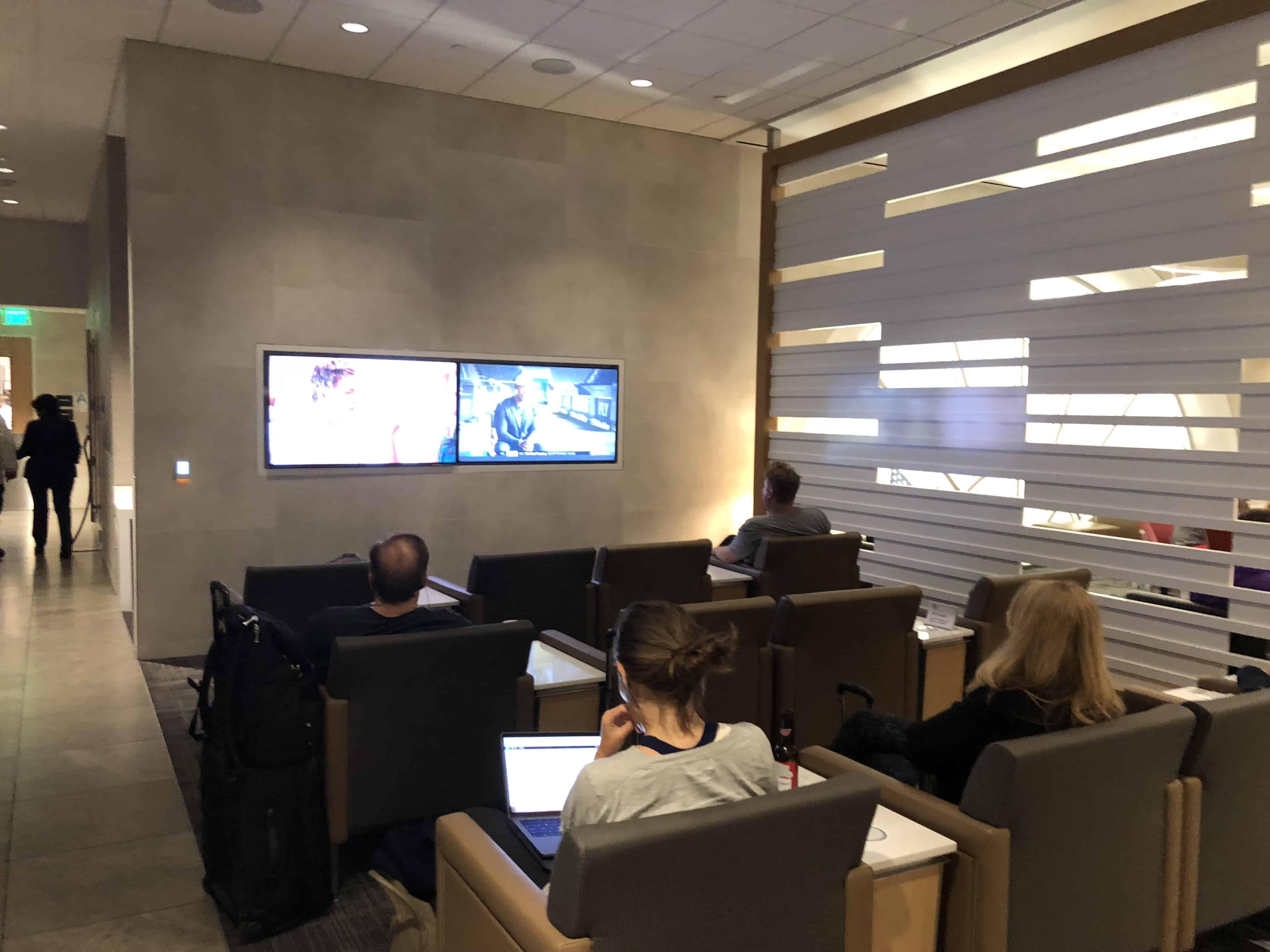 Flagship Lounge LAX Fernsehbereich
