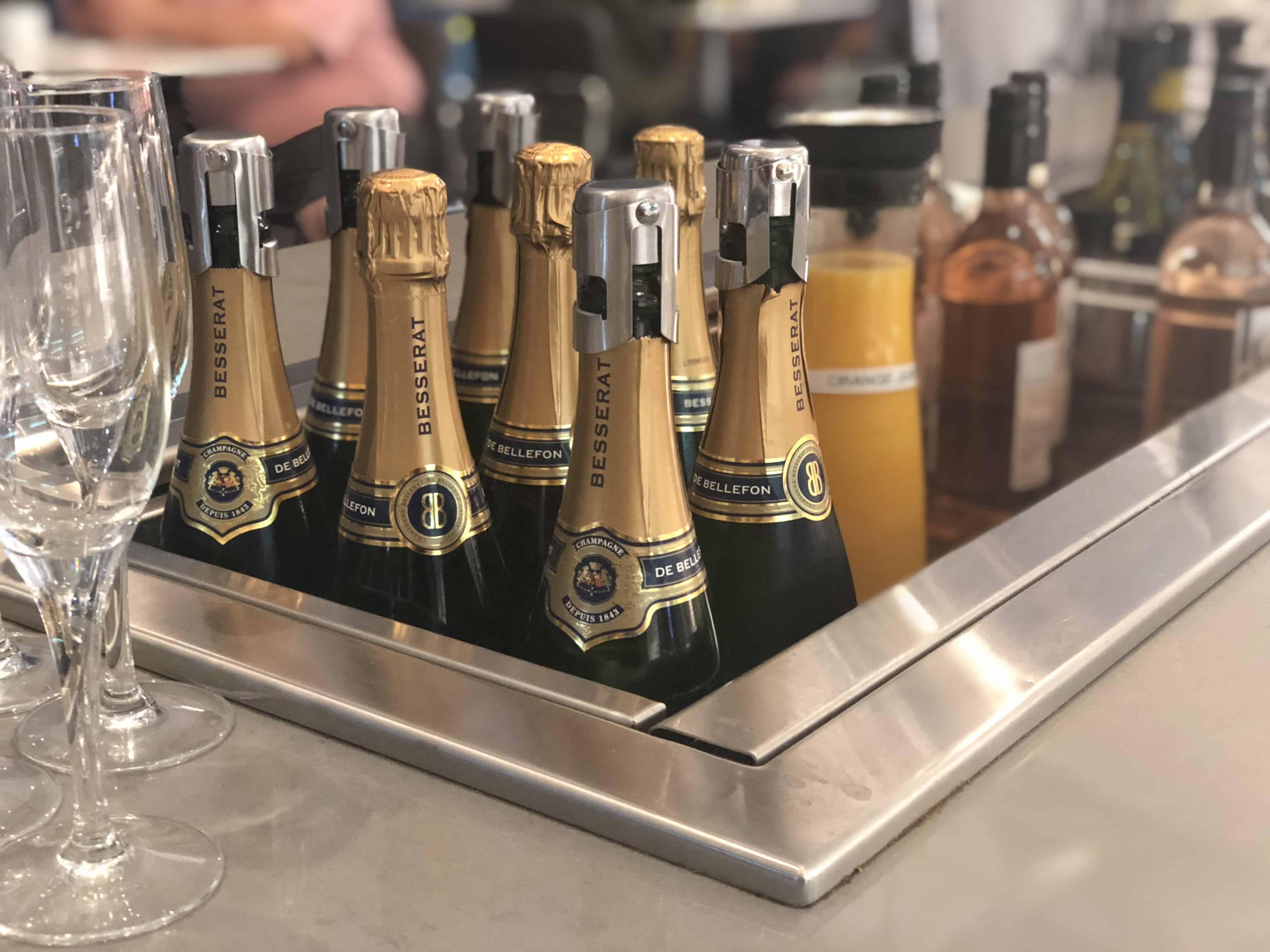 Flagship Lounge LAX Wein und Sekt