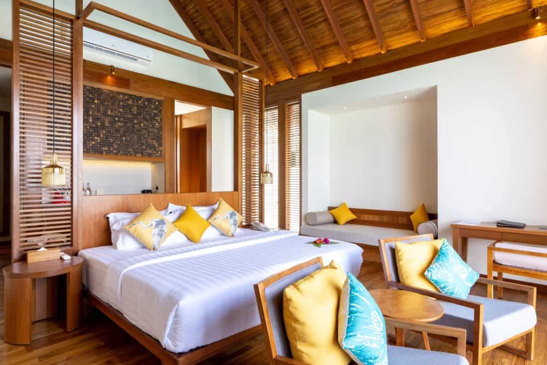 Furaveri Island Resort Spa Ocean Villa Schlafzimmer