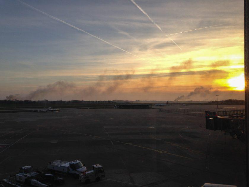 Hannover Flughafen Osterfeuer