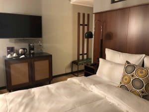 Henri Hotel Düsseldorf Zimmer Bett