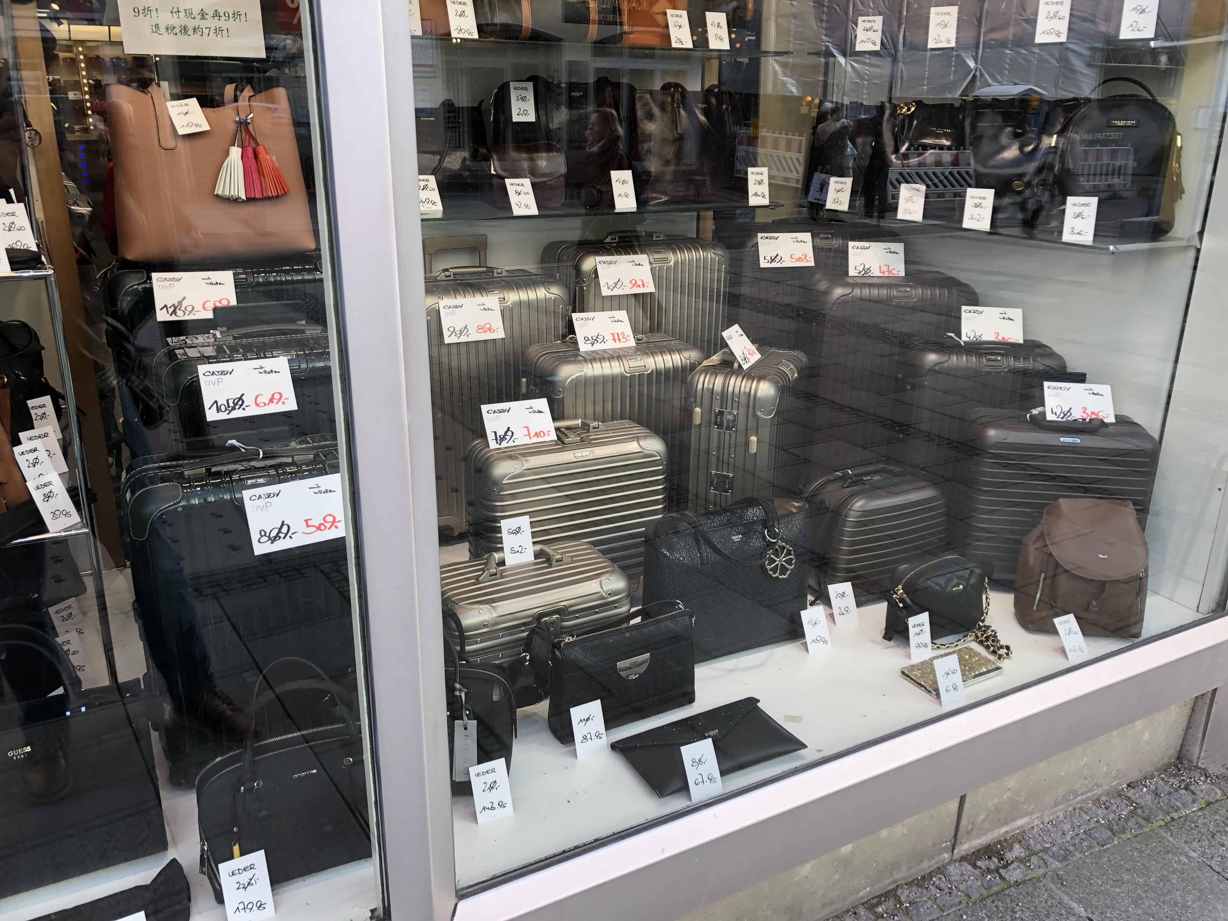 outlet von rimowa wie man rimowa mit rabatt kaufen kann. Black Bedroom Furniture Sets. Home Design Ideas