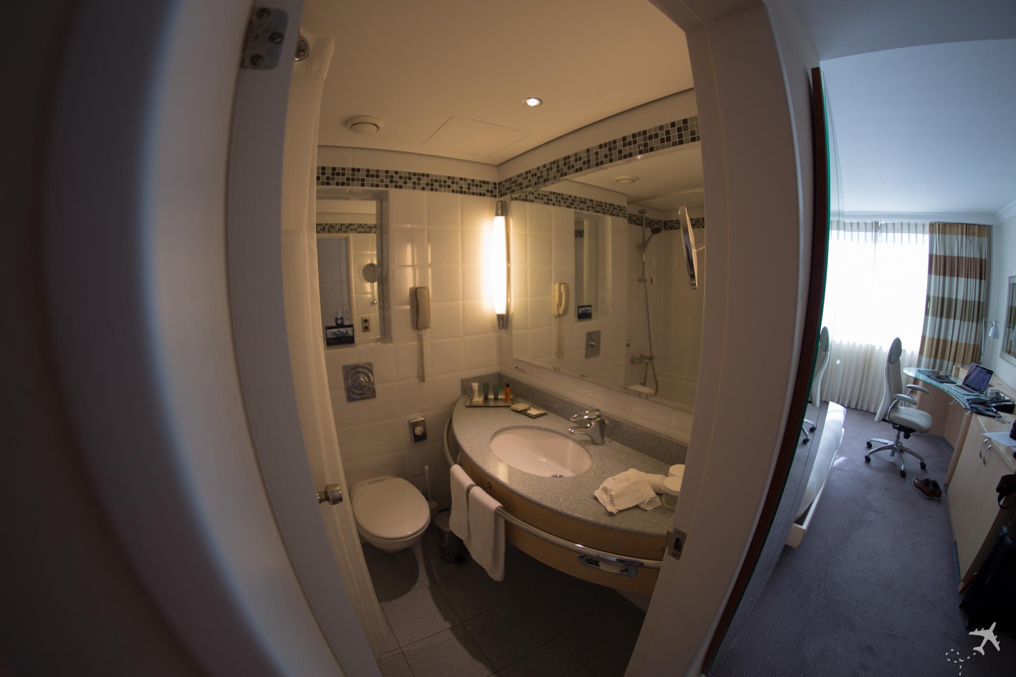 Hilton Düsseldorf Zimmer Bad