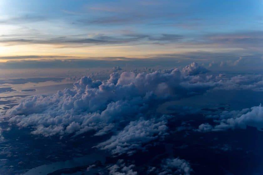 Inflight Singapur Wolken