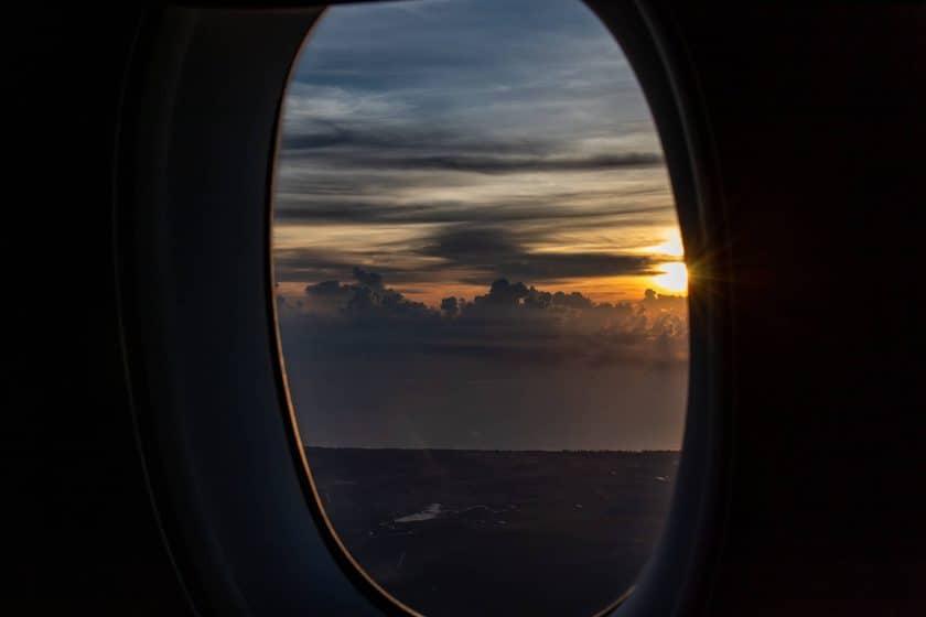 Inflight Sonnenaufgang Fenster