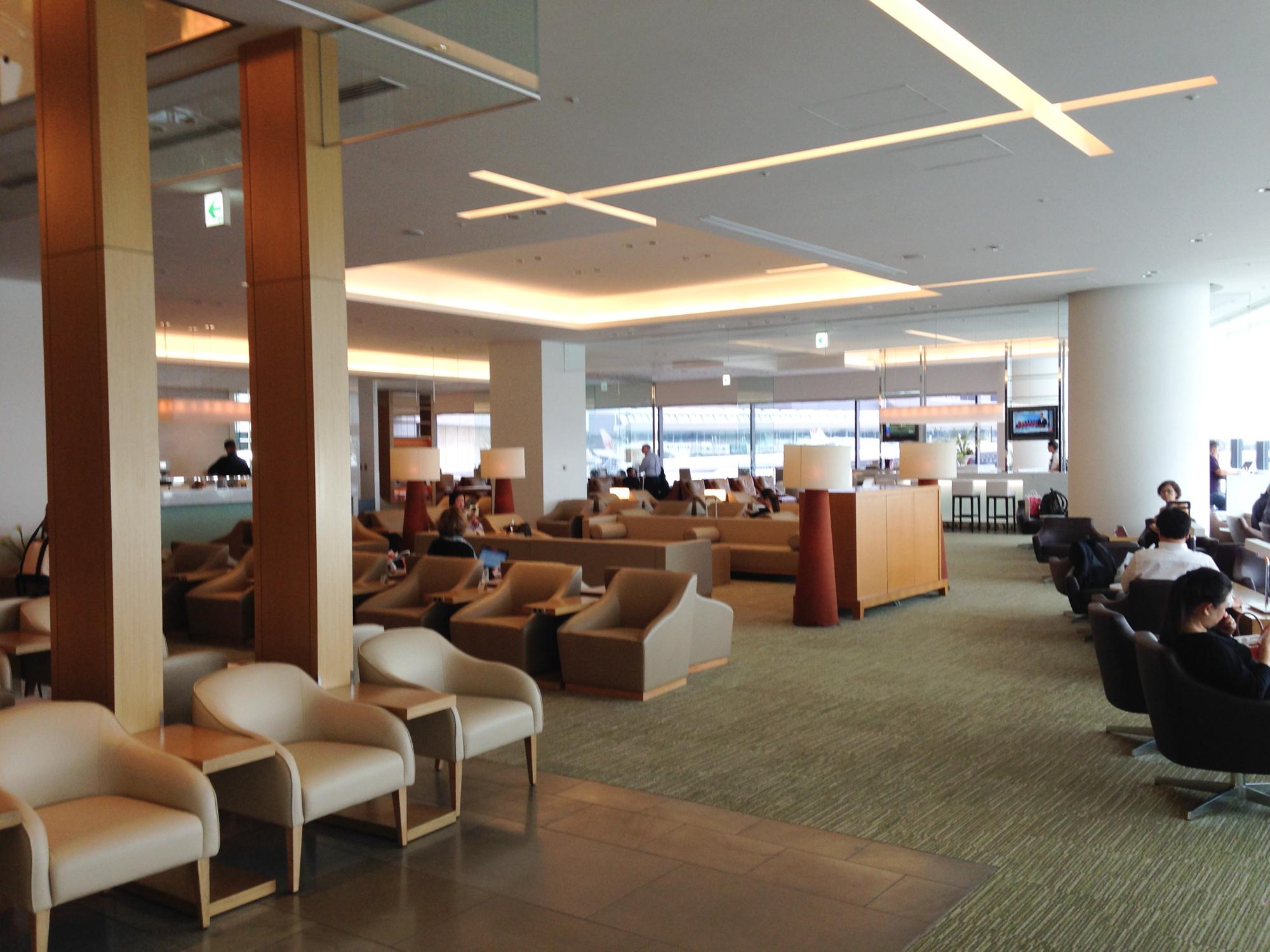 JAL Narita Sakura Lounge Sitzbereich