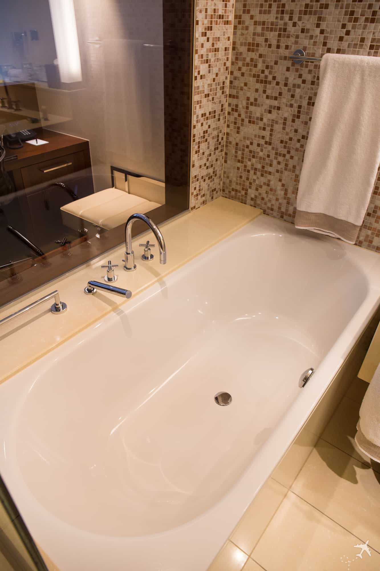 Jumeirah Hotel Frankfurt Badewanne